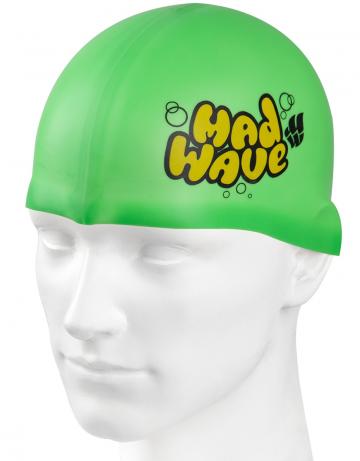 Силиконовая шапочка для плавания Silicone Junior SolidСиликоновые шапочки<br>Силиконовая шапочка Mad Wave Silicone Junior Solid - детская модель шапочки с логотипом Mad Wave, сделана из качественного силикона и подходит для всех видов занятий плаванием. Силикон - гипоаллергенный материал, не вызывает зуда и раздражения, а это особенно важно для чувствительной детской кожи. Модель имеет яркие расцветки, которые вызывают положительные эмоции у ребенка и делают его заметным на воде издалека.<br><br>Цвет: Зеленый