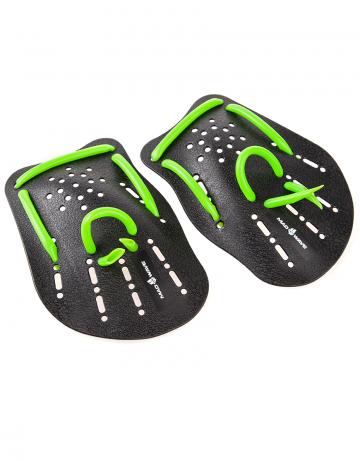 Лопатки для плавания Mad Wave PaddlesЛопатки для плавания<br>Классическая модель лопаток для плавания. Используются как приспособление для отработки правильной техники плавания, а также для развития силы и скорости. Анатомическая форма гарантирует хорошее «сцепление» с ладонью. Эластичные ремешки обеспечивают удобную фиксацию на кистях рук<br><br>S - 17,5х11,8х0,2, <br>M - 18,5х13х0,2,<br>L - 18х23,5х0,2<br><br>Размер INT: L<br>Цвет: Черный