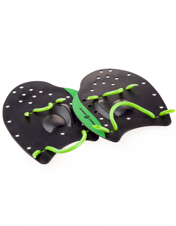 Лопатки для плавания Mad Wave Paddles PRO M0740 02 3 00WЛопатки для плавания<br>Классическая модель лопаток для плавания. Используются как приспособление для отработки правильной техники плавания, а также для развития силы и скорости. Анатомическая форма гарантирует хорошее «сцепление» с ладонью. Эластичные ремешки обеспечивают удобную фиксацию на кистях рук<br><br>S:<br>по ширине максимально 14,5 см, в длину 15,5 см<br> <br>M 17.5 X18<br><br>L 21.5x21.5<br><br>Размер: L<br>Цвет: Черный