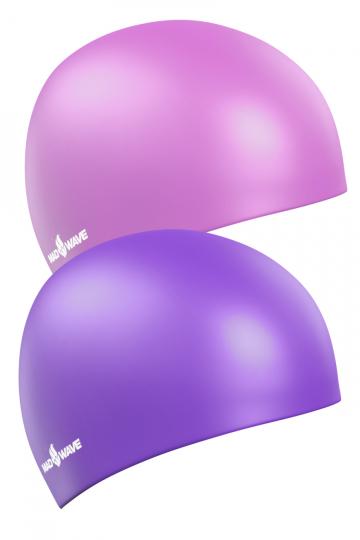 Силиконовая шапочка для плавания Reverse CHAMPIONСиликоновые шапочки<br>Силиконовая шапочка Mad Wave Reverse CHAMPION - двусторонняя шапочка, отлично подойдет как женщинам, так и мужчинам. Эту шапочку можно надевать под разные купальники всего лишь вывернув и одев ее другой стороной.  Мягкий прочный силикон обеспечивает идеальную посадку и комфорт. Материал шапочки не вызывает раздражения, что гарантирует безопасность использования шапочки. Силикон не пропускает воду и приятен на ощупь.<br><br>Цвет: Фиолетовый