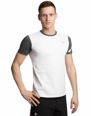 Спортивная футболка SportФутболки<br>Футболка с короткими рукавами прямого силуэта. Модель декорирована трансферной печатью в фирменном стиле.<br><br>Размер INT: XS<br>Цвет: Белый