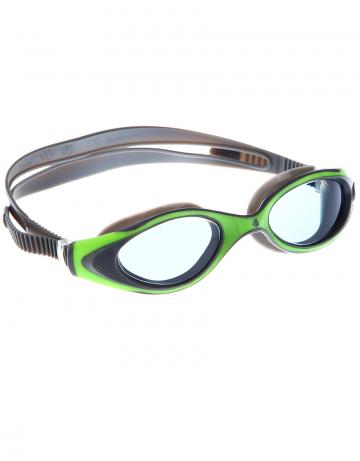 Тренировочные очки Mad Wave Flame M0431 13 0 10WТренировочные очки<br>Удобные классические очки для спорта и отдыха c автоматической системой регулировки ремешков. Внедрение антифога в линзы капиллярным способом дает максимальную антизапотевающую защиту. Полировка линз обеспечивает кристальную чистоту изображения. UV 400 защита блокирует 100% вредного УФ-излучения по всему спектру (до 400нм)<br><br>Размер: None<br>Цвет: Зеленый