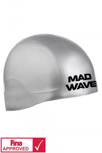 Силиконовая шапочка для плавания R-CAP FINA ApprovedСиликоновые шапочки<br>Силиконовая шапочка Mad Wave R-CAP FINA Approved изготовлена с помощью технологии 3х мерного инжектирования. Переменная толщина и эластичность позволяют добиться идеальной посадки . R-CAP FINA Approved стартовая шапочка, она идеальна для соревнований. Представлена в 2 размерах. Размер S на обхваты головы до 58 см. Размер L на обхваты головы от 58-65 см. Шапочка не закрывает уши. Сертифицирована международной федерацией плавания.<br><br>Размер INT: S<br>Цвет: Серебро