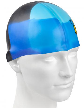 Силиконовая шапочка для плавания Multi JuniorСиликоновые шапочки<br>Мультисиликоновая шапочка Mad Wave Multi Junior  изготовлена из высококачественного силикона, который обеспечивает высокую эластичность материала и максимальное удобство при плавании. Надежно защищает волосы от контакта с хлорированной водой, гипоаллергенна, не прилипает к волосам.  Имеет большой выбор расцветок, что дает возможность подобрать шапочку под цвет купальника. Отличается высокой эластичностью, легко надевается,  благодаря чему подходит как взрослым, так и подросткам от 10 лет.<br><br>Цвет: Синий