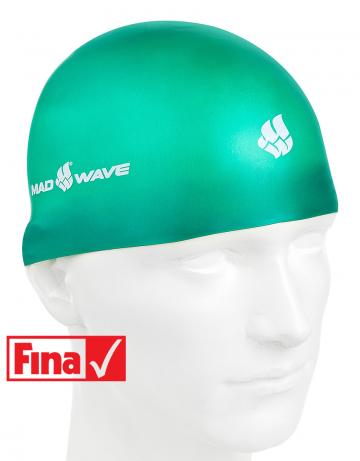 Силиконовая шапочка для плавания SOFTСиликоновые шапочки<br>Силиконовая шапочка Mad Wave SOFT -  3D шапочка с повышенной эластичностью. Очень комфортная, имеет гладкую, приятную на ощупь поверхность. Плотно облегает голову, не оказывая излишнего давления, не пропускает воду, легко надевается и снимается, имеет специальную 3D форму, гарантирующую идеальную посадку без образования складок. Надежно защищает волосы от промокания и воздействия хлора. Отлично подходит для тренировок и соревнований. Данная модель имеет 3 размера. Сертифицирована международной федерацией плавания.<br><br>Размер INT: M<br>Цвет: Зеленый