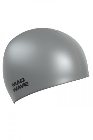 """Силиконовая шапочка для плавания Metal Silicone SolidСиликоновые шапочки<br>Силиконовая шапочка Mad Wave Metal Silicone Solid  изготовлена из высококачественного силикона, который обеспечивает высокую эластичность материала и максимальное удобство при плавании. Надежно защищает волосы от контакта с хлорированной водой, гипоаллергенна, не прилипает к волосам.  Имеет яркие цвета с эффектом """"металлик"""". Отличается высокой эластичностью, легко надевается,  благодаря чему подходит как взрослым, так и подросткам от 10 лет.<br><br>Цвет: Серебро"""