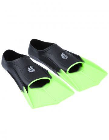 Ласты для плавания в бассейне Fins TrainingЛасты для плавания<br>Короткие тренировочные ласты - отличный выбор для плавания в бассейне, так как они обеспечивают пловцу высокую маневренность и достаточное для эффективной тренировки сопротивление. Укороченные ласты применяются для отработки навыков плавания стилем кроль и для обучения волнообразным движениям в брассе и баттерфляе. Данная модель имеет закрытую пятку. Ласты с закрытой пяткой надежно фиксируют ступню, не натирают, могут надеваться на босую ногу. Колодка широкая. Эргономичный дизайн обеспечивает удобное расположение ступни, препятствуя перенапряжению мышц. Ласты изготовлены из силикона - материала, который не вызывает аллергии, не впитывает запахи, устойчив к воздействию хлора и ультрафиолетовых лучей, более мягок и эластичен в сравнении с резиной.<br><br>ОСОБЕННОСТИ:<br><br><br> 100% силикон  - материал обеспечивает повышенный комфорт, мягкость и безупречную посадку; <br> Совершенствуйте технику  - эти ласты позволяют повысить мощность работы ног, силовую выносливость, а также усовершенствовать свою технику; <br> Скорость  - ласты позволяют значительно повысить ваши технические навыки и скорость в воде; <br> Эргономичная форма и угол лопасти  - позволяют совершенствовать технику работы ног, не нарушая естественную механику движений; <br> Колодка с закрытой пяткой  - обеспечивает надежную и стабильную посадку; <br> Гидродинамические ребра жесткости  - сбалансированная жесткость и повышенная долговечность.<br><br>Размер RU: 31-33<br>Цвет: Черный