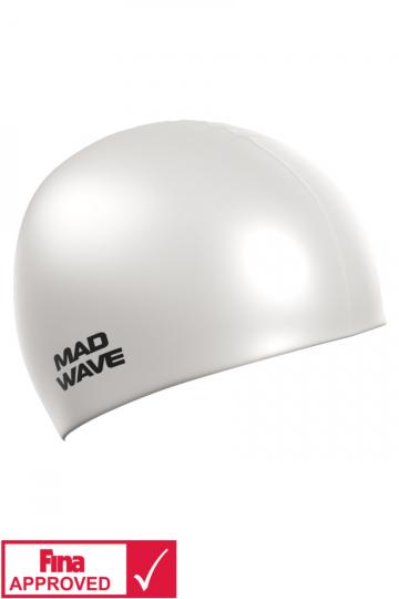 Силиконовая шапочка для плавания Intensive Silicone SolidСиликоновые шапочки<br>Силиконовая шапочка Mad Wave Intensive Silicone Solid изготовлена из высококачественного 100% силикона.Хорошо тянется, легко надевается,  благодаря чему подходит как взрослым так и подросткам от 10 лет. Плотно облегает голову, оставляя волосы относительно сухими, при этом не электризует волосы, не тянет и не выдирает их, поэтому прекрасно подходит и для тех, кто имеет длинные волосы. Надежно защищает волосы и кожу головы от воздействия хлорированной воды в бассейне, обеспечивает безопасность во время плавания, защищая от попадания волос в глаза и под детали очков или купальника. Она сохраняет цвет, форму и высокую эластичность на протяжении всего срока службы. Сертифицирована международной федерацией плавания. Шапочки Intensive Silicone Solid имеют большой выбор ярких однотонных расцветок. Сертифицированы международной федерацией плавания.<br><br>Цвет: Белый