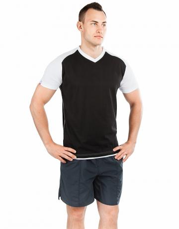 Спортивная футболка PROMO MENФутболки<br>Мужская футболка с коротким рукавом. V-образный вырез горловины. Приталенный силуэт. Представлена в нескольких цветах.<br><br>Размер INT: XL<br>Цвет: Черный