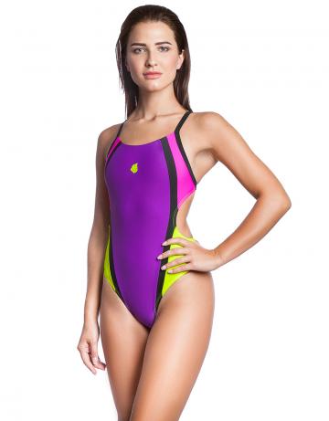 Спортивный купальник для плавания NEOСпортивные купальники<br>Слитный купальник с ярким контрастным дизайном прекрасно подойдет для регулярных тренировок в бассейне и отдыха. <br>Открытая спина с кроем X-act и высокий вырез бедра придают больше свободы движения и обеспечивают идеальную посадку. Широкие бретели создают дополнительный комфорт, не давят и не натирают кожу, поддерживают грудь. Купальник изготовлен из ткани серии Base Xtra Life - очень эластичной ткани, обладающей повышенной устойчивостью к хлору, высокой износостойкостью и улучшенными компрессионными характеристиками. Купальники из этой ткани лучше облегают тело и сохраняют форму и цвет в 5-10 раз дольше, чем изделия с обычной лайкрой. Модель спереди продублирована подкладкой, что обеспечивает лучшую посадку и идеальную форму.   <br><br>ОСОБЕННОСТИ:<br><br><br>Ткань BASE XtraLife - обладает повышенной устойчивостью к хлору, высокой износостойкостью и улучшенными компрессионными характеристиками;<br>Крой спины X-act - открытая спина, широкие бретели спортивный эргономичный крой создает гибкость в движении и комфорт при использовании;<br>Высокий вырез бедра - максимальная свобода движений, визуально удлиняет ноги;<br>Подкладка - передняя сторона купальника продублирована подкладкой.<br><br>Размер INT: XS<br>Цвет: Фиолетовый