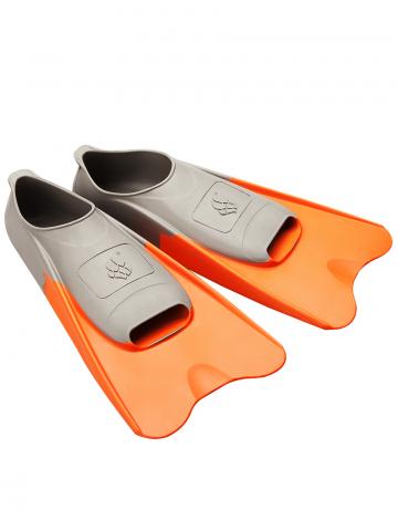 Ласты для плавания в бассейне POOL COLOUR SHORTЛасты для плавания<br>Короткие резиновые тренировочные ласты. Каждый цвет ласты соответствует определенному размеру для удобства группового использования в бассейне.<br><br>Размер RU: 36-37<br>Цвет: Оранжевый