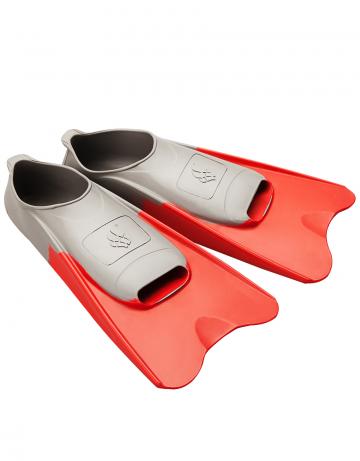 Ласты для плавания в бассейне POOL COLOUR SHORTЛасты для плавания<br>Короткие резиновые тренировочные ласты. Каждый цвет ласты соответствует определенному размеру для удобства группового использования в бассейне.<br><br>Размер RU: 38-39<br>Цвет: Красный