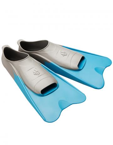 Ласты для плавания в бассейне POOL COLOUR SHORTЛасты для плавания<br>Короткие резиновые тренировочные ласты. Каждый цвет ласты соответствует определенному размеру для удобства группового использования в бассейне.<br><br>Размер RU: 42-43<br>Цвет: Голубой