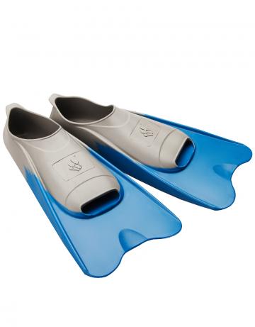 Ласты для плавания в бассейне POOL COLOUR SHORTЛасты для плавания<br>Короткие резиновые тренировочные ласты. Каждый цвет ласты соответствует определенному размеру для удобства группового использования в бассейне.<br><br>Размер RU: 44-45<br>Цвет: Синий