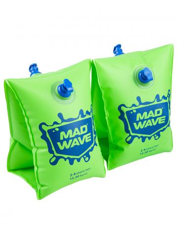 Нарукавники для плавания MAD WAVEНарукавники<br>Сделаны из высококачественного ламинированного низкофталатного ПВХ с безопасными клапанами. Соответствуют всем европейским стандартам безопасности.<br><br>Размер RU: 0-2<br>Цвет: Зеленый