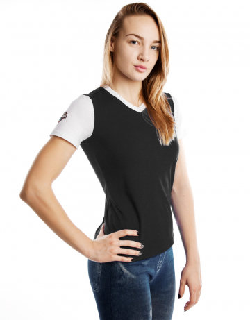 Спортивная футболка PRO Women T-shirtФутболки<br>Женская футболка с коротким рукавом. V-образный вырез<br>горловины. Приталенный силуэт.<br><br>Размер INT: XL<br>Цвет: Черный