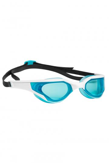 Тренировочные очки для плавания RAZORТренировочные очки<br>Очки RAZOR сочетают в себе агрессивный дизайн профессиональных стартовых очков Mad Wave, а также удобство лучших очков для тренировок. Широкий и мягкий обтюратор минимизирует нагрузку на глаза, а инновационная эргономичная конструкция обеспечит превосходную посадку и удобство в использовании. Линзы с защитой от ультрафиолета и покрытием от запотевания Антифог.<br><br>Цвет: Белый