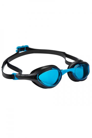 Тренировочные очки для плавания ALIENТренировочные очки<br>Очки ALIEN сочетают в себе агрессивный дизайн профессиональных стартовых очков Mad Wave, а также удобство лучших очков для тренировок. Широкий и мягкий обтюратор минимизирует нагрузку на глаза, а инновационная эргономичная конструкция обеспечивает превосходную посадку и удобство в использовании. Линзы с защитой от ультрафиолета и покрытием от запотевания Антифог.<br><br>ОСОБЕННОСТИ:<br><br><br> Агрессивный дизайн - позволяет полноценно сосредоточиться на победе;<br> Особая конструкция линз - ультраширокий боковой обзор;<br> Эргономичный обтюратор - обеспечивает максимальный комфорт и надежность даже при длительном использовании;<br>4 сменные носовые перемычки - очки подходят для любого типа лица;<br>Защита UV - надежная защита от ультрафиолета;<br>Покрытие Антифог - надежная защита от запотевания.<br><br>Цвет: Голубой