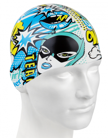 Силиконовая шапочка для плавания COMICSСиликоновые шапочки<br>Силиконовая шапочка изготовлена из прочного гладкого силикона. Отличается высокой эластичностью, легко надевается,  благодаря чему подходит как взрослым так и подросткам от 10 лет. Плотно облегает голову, оставляя волосы относительно сухими, при этом не электризует волосы, не тянет и не выдирает их.   Надежно защищает волосы и кожу головы от воздействия хлорированной воды в бассейне, обеспечивает безопасность во время плавания, защищая от попадания волос в глаза и под детали очков или купальника.<br><br>Цвет: Синий