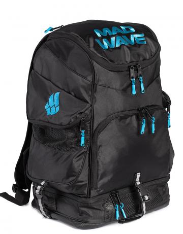 Рюкзак сумка для бассейна MAD TEAMРюкзаки и сумки<br>Большой внутренний отсек даст вам возможность с легкостью упаковать все необходимое вплоть до крупного инвентаря, а также разместить ноутбук (до 15') в специально предназначенном для этого кармане. Вместительные боковые вентилируемые карманы позволят без труда отделить мокрые вещи от сухих. Для максимального удобства в использовании рюкзак оснащен дополнительными отсеками – вентилируемым отсеком для обуви (вместительность до 2-х пар), а также карманами, в которых удобно хранить очки для плавания и различные медиаустройства. Благодаря особой, эргономичной конструкции задней стенки и наличию мягких, воздухопроницаемых подушек рюкзак Mad Team удобно носить на плечах продолжительное время.<br>ВНИМАНИЕ! Не кладите ноутбук в один отсек вместе с влажными вещами!<br><br>ОСОБЕННОСТИ:<br><br><br> Огромная вместительность - в рюкзак с легкостью помещается крупный инвентарь, такой как доски для плавания, колобашки или ласты;<br> Большие боковые карманы с вентиляцией  - позволяют без труда отделить мокрые вещи от сухих;<br> Отсек для обуви - в нижний вентилируемый отсек рюкзака Mad Team помещается до 2-х пар обуви или даже пара коротких тренировочных ласт;<br> Карабин - многофункциональный карабин позволит с легкостью закрепить рюкзак на вешалке.<br><br>Размер: 52х32х23 см<br>Цвет: Черный