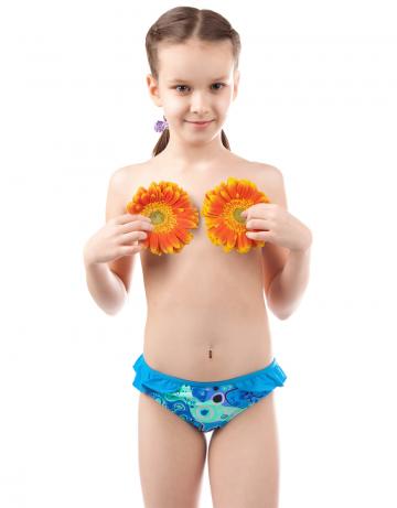 Детский пляжный купальник BabyДетские пляжные купальники<br>Плавки для девочек Baby. Декорированы рюшами.<br><br>Размер RU: XS(5-6)<br>Цвет: Голубой